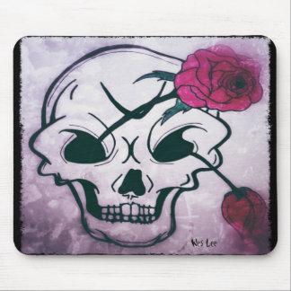 涼しいピンクのバラのスカル マウスパッド