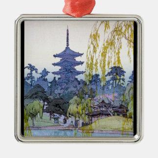 涼しい東洋の日本人のyoshida湖の神社の寺院 メタルオーナメント
