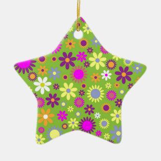 涼しい花パターンカラフルなスクラップブック作りの緑 セラミックオーナメント