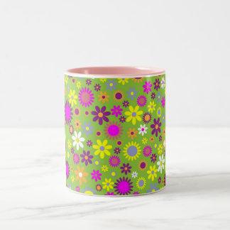 涼しい花パターンカラフルなスクラップブック作りの緑 ツートーンマグカップ