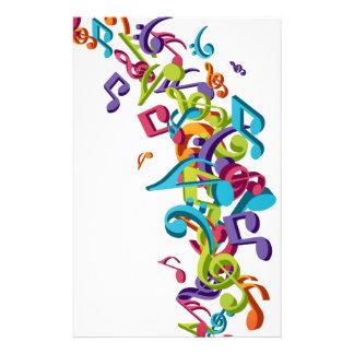 涼しくカラフルな音楽ノート及び音の芸術のイメージ 便箋