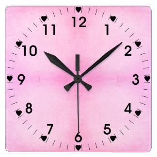 淡いピンクおよび黒いハート スクエア壁時計