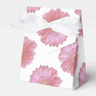 淡いピンクのガーベラのデイジー フェイバーボックス