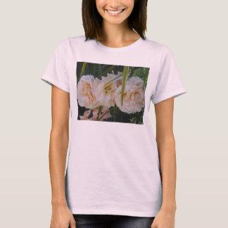 淡いピンクのバラの女性Tシャツ Tシャツ