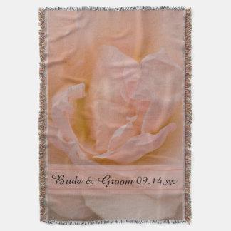 淡いピンクのバラの花の結婚式 スローブランケット