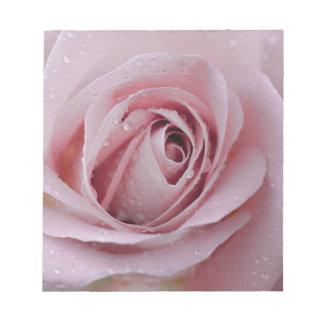 淡いピンクのバラ ノートパッド