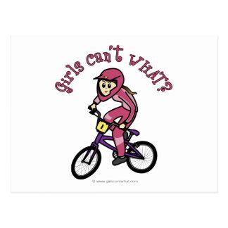 淡いピンクの女の子BMX ポストカード