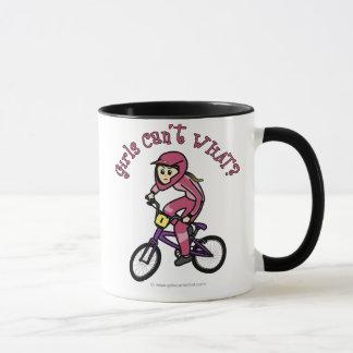 淡いピンクの女の子BMX マグカップ