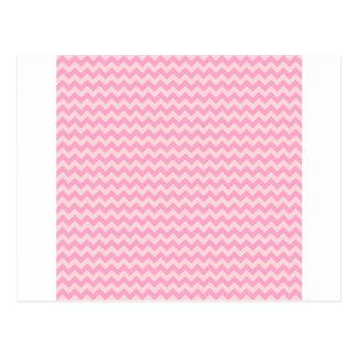淡いピンクの広の横のジグザグ形-カーネーションのピンク ポストカード