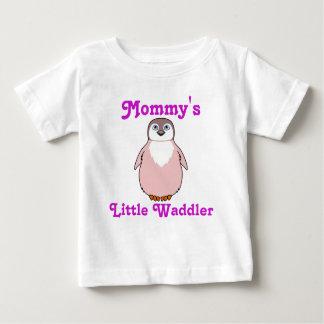 淡いピンクの赤ん坊のペンギン ベビーTシャツ