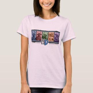 淡いピンクのMDの人種差別のロゴ Tシャツ