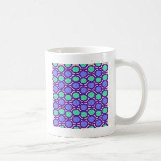 淡いブルーおよび水の紫色アイレット コーヒーマグカップ