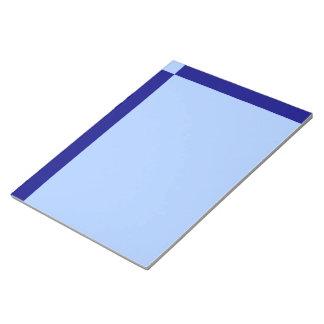淡いブルーおよび濃紺の長方形 ノートパッド