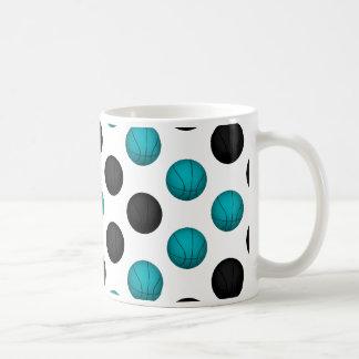 淡いブルーおよび黒いバスケットボールパターン コーヒーマグカップ