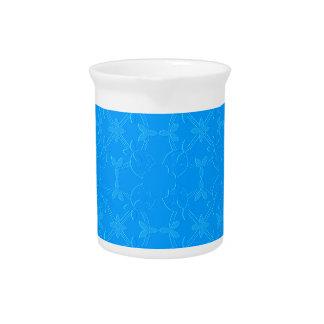 淡いブルーのエンボスのチューリップのアップリケのキルト ピッチャー