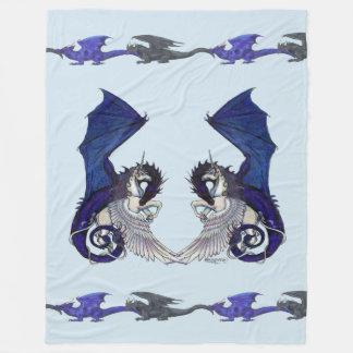 淡いブルーのユニコーンおよびドラゴン毛布 フリースブランケット