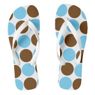 淡いブルーの円-および茶色の円形のデザイン ビーチサンダル