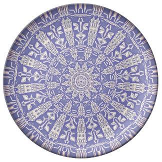 淡いブルーの曼荼羅のプレート 磁器プレート