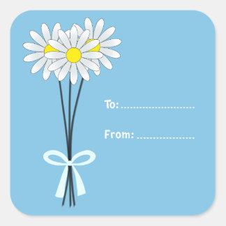 淡いブルーの正方形のステッカーの白いデイジーの花束 スクエアシール