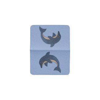 淡いブルーの水泳のきらめくな濃紺のイルカ 名刺入れ