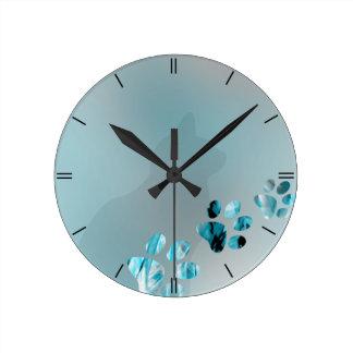 淡いブルーの猫の足 ラウンド壁時計