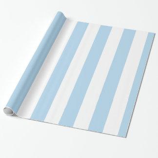 淡いブルーの白い特大ストライプなパターン ラッピングペーパー