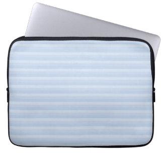 淡いブルーの縞 ラップトップスリーブ