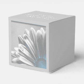 淡いブルーの花柄のハイライトの結婚 フェイバーボックス