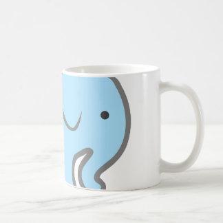 淡いブルーの象のマグ コーヒーマグカップ