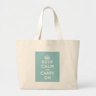 淡いブルーのKeep Calm and Carry On ラージトートバッグ