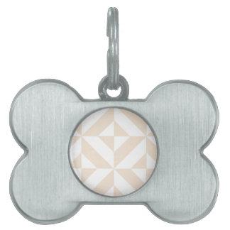 淡い色のなベージュ幾何学的なDecoの立方体パターン ペットネームタグ
