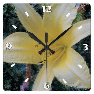 淡い色のなユリの柱時計 スクエア壁時計