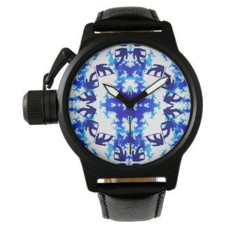 淡青色のスノーボーダーの空のタイルのスノーボードのスポーツ 腕時計