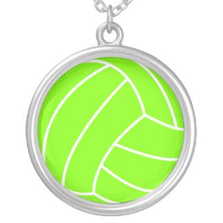 淡黄緑、ネオン緑のバレーボール シルバープレートネックレス