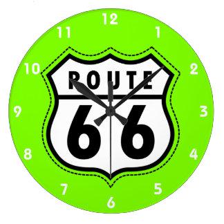 淡黄緑、ネオン緑のルート66の交通標識 ラージ壁時計