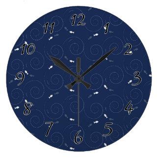 深く青い海の魚の水泳 ラージ壁時計