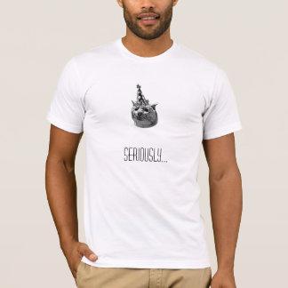 深刻な猫 Tシャツ