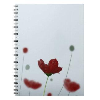 深紅のかわいらしい花 ノートブック