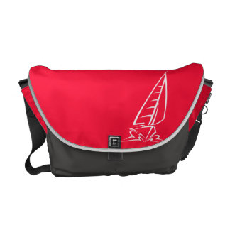 深紅の赤い航行; 帆ボート クーリエバッグ