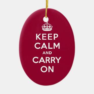 深紅のKeep Calm and Carry On (白い文字) セラミックオーナメント