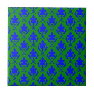 深緑色および濃紺の華美な壁紙パターン タイル