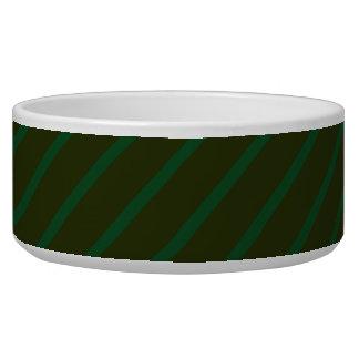 深緑色の斜めの縞模様