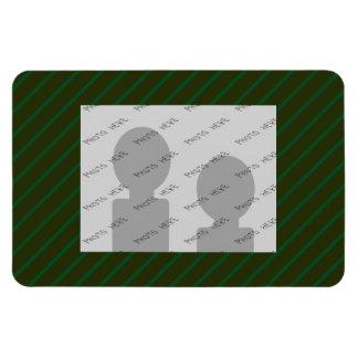深緑色の斜めの縞模様 マグネット