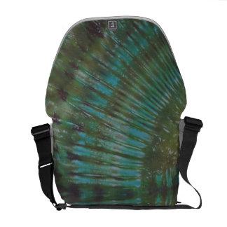 深緑色の絞り染めのメッセンジャーバッグ クーリエバッグ