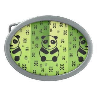 深緑色の背景のパンダ 卵形バックル