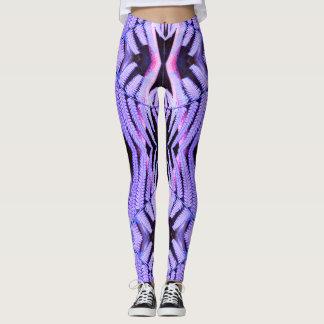 混乱した熱帯紫色のシダ レギンス