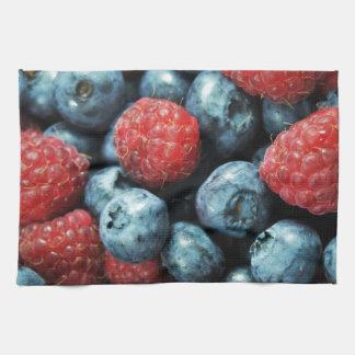 混合された果実の(ブルーベリーおよびラズベリー)デザイン キッチンタオル