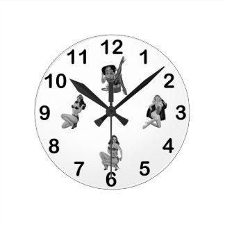 混合される柱時計の白黒のピンナップの女の子 ラウンド壁時計