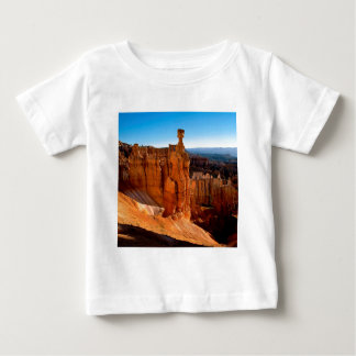 渓谷のブライス公園ユタ ベビーTシャツ