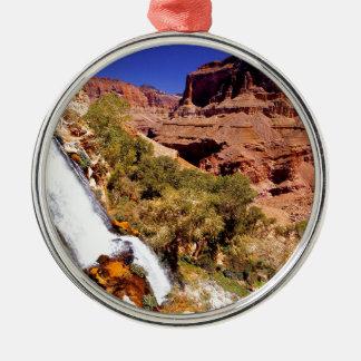 渓谷の雷川の壮大な公園 メタルオーナメント